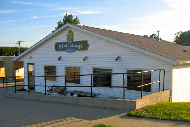 EV Malt Shop (North English, Iowa)