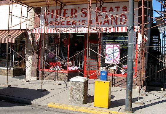 Piper's Groceries (Chariton, Iowa)
