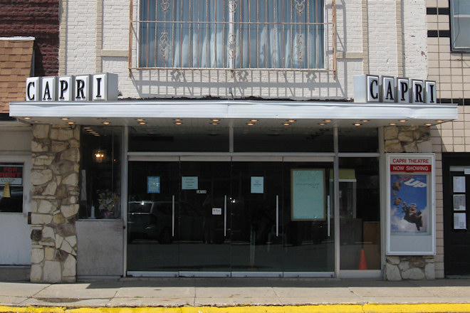 Capri Theater (New Sharon, Iowa)