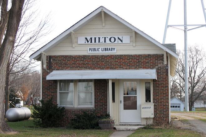 Public Library (Milton, Iowa)