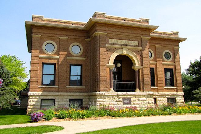 Public Library (Estherville, Iowa)