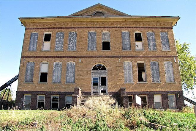 Former School (Sharpsburg, Iowa)
