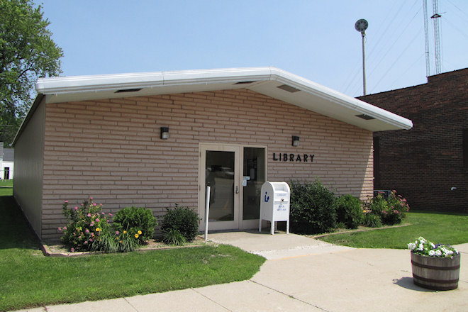 Public Library (Lu Verne, Iowa)