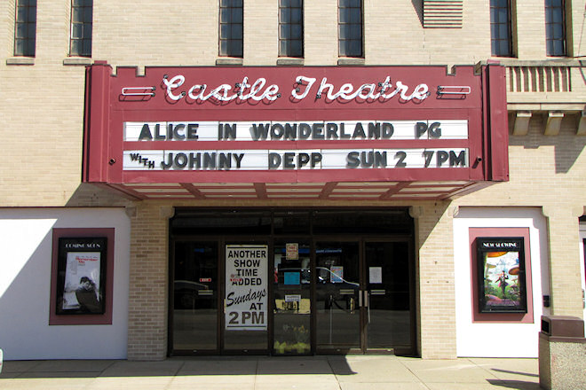 Castle Theatre (Manchester, Iowa)