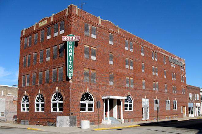 Hotel Charitone (Chariton, Iowa)