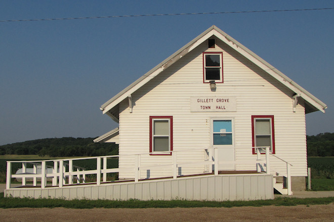 Town Hall (Gillett Grove, Iowa)