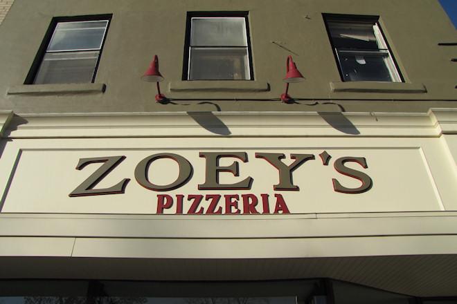 Zoey's Pizzeria (Marion, Iowa)