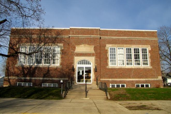 Former Public Library (Oelwein, Iowa)