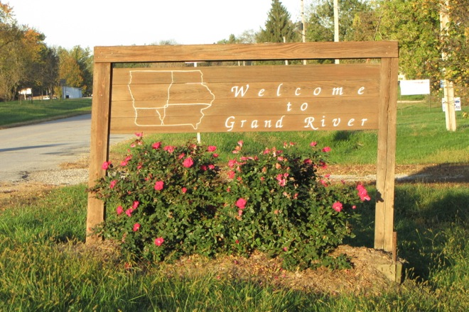 Welcome Sign (Grand River, Iowa)